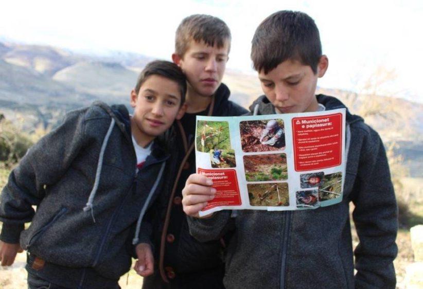Humanitaer nedrustning i Albania inter img 925x632